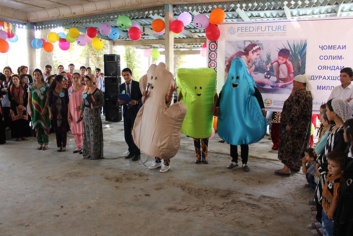 Participants performed a skit about the importance of hygiene. Photo by Samariddin Bahriddinov for IntraHealth International.