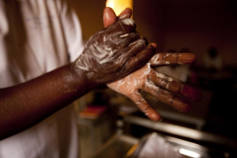 ...and for 40-60 seconds if using soap and water. A nursing student in Mali learns the proper hand washing technique