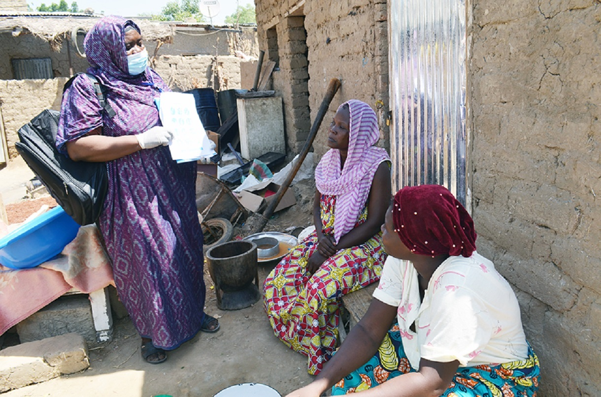 TDDA engages communities, such as the one in pictured in Chad, in the fight against COVID-19. Photo courtesy of the TDDA program.